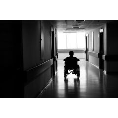 AGE016 - Aging and Immobility Dangers